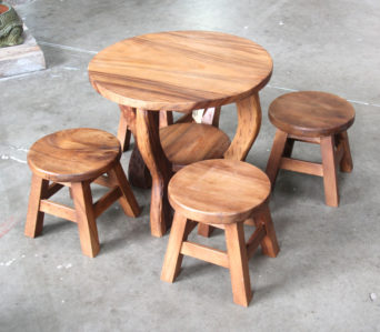Kids table and 4 stools - Round